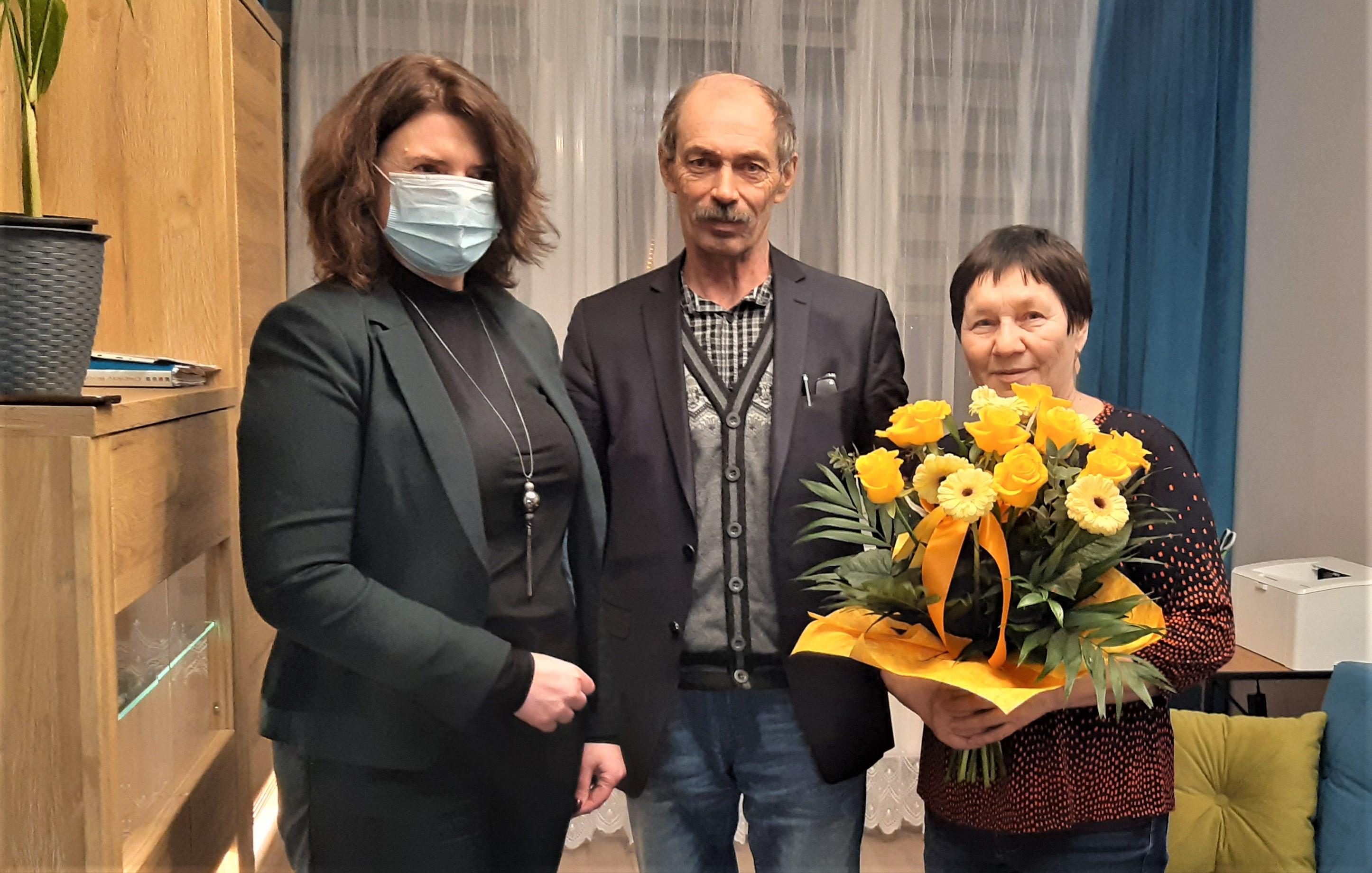 Ewa Weber z rodziną repatriantów