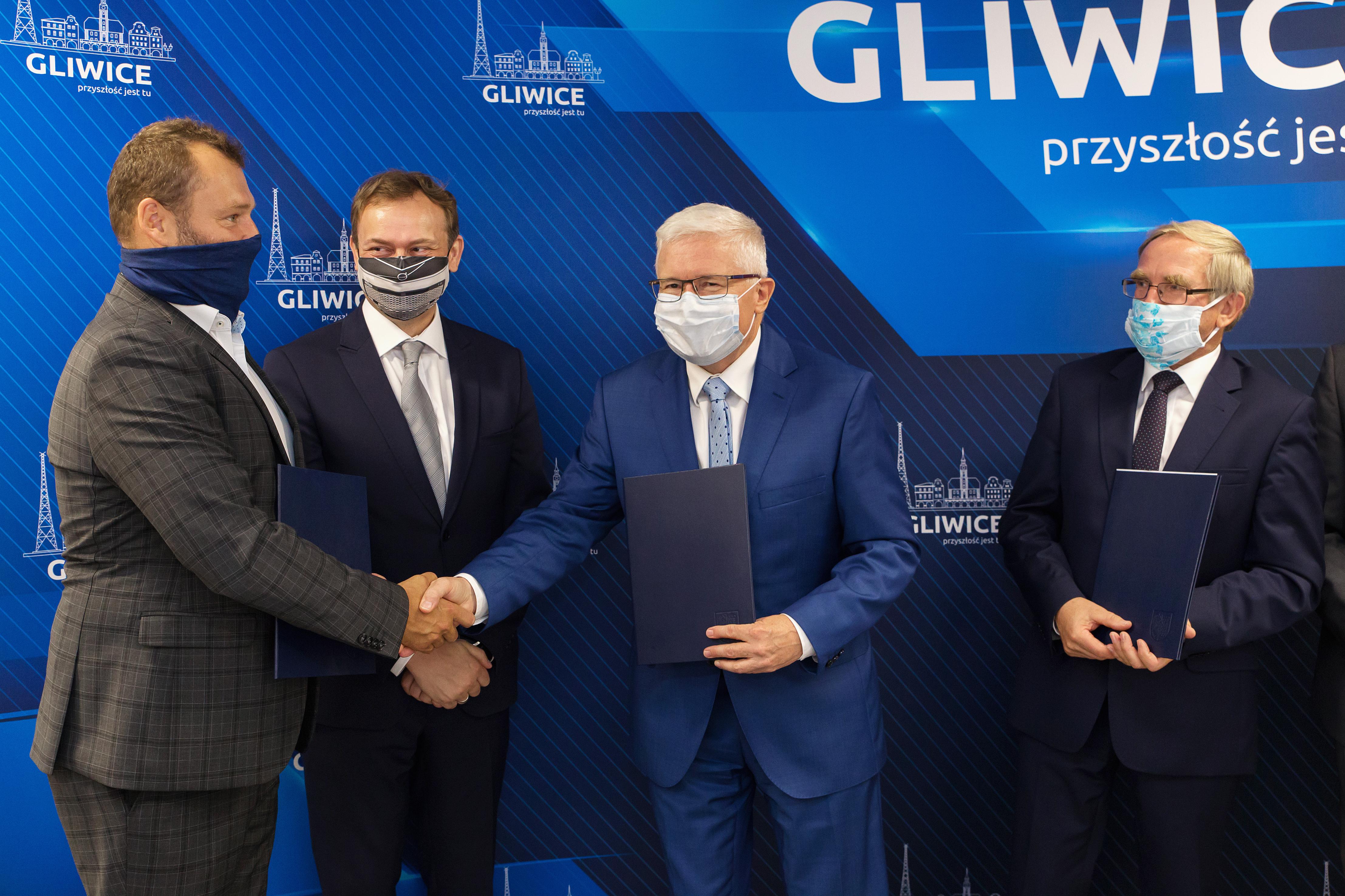 podpisanie umowy z Volvo