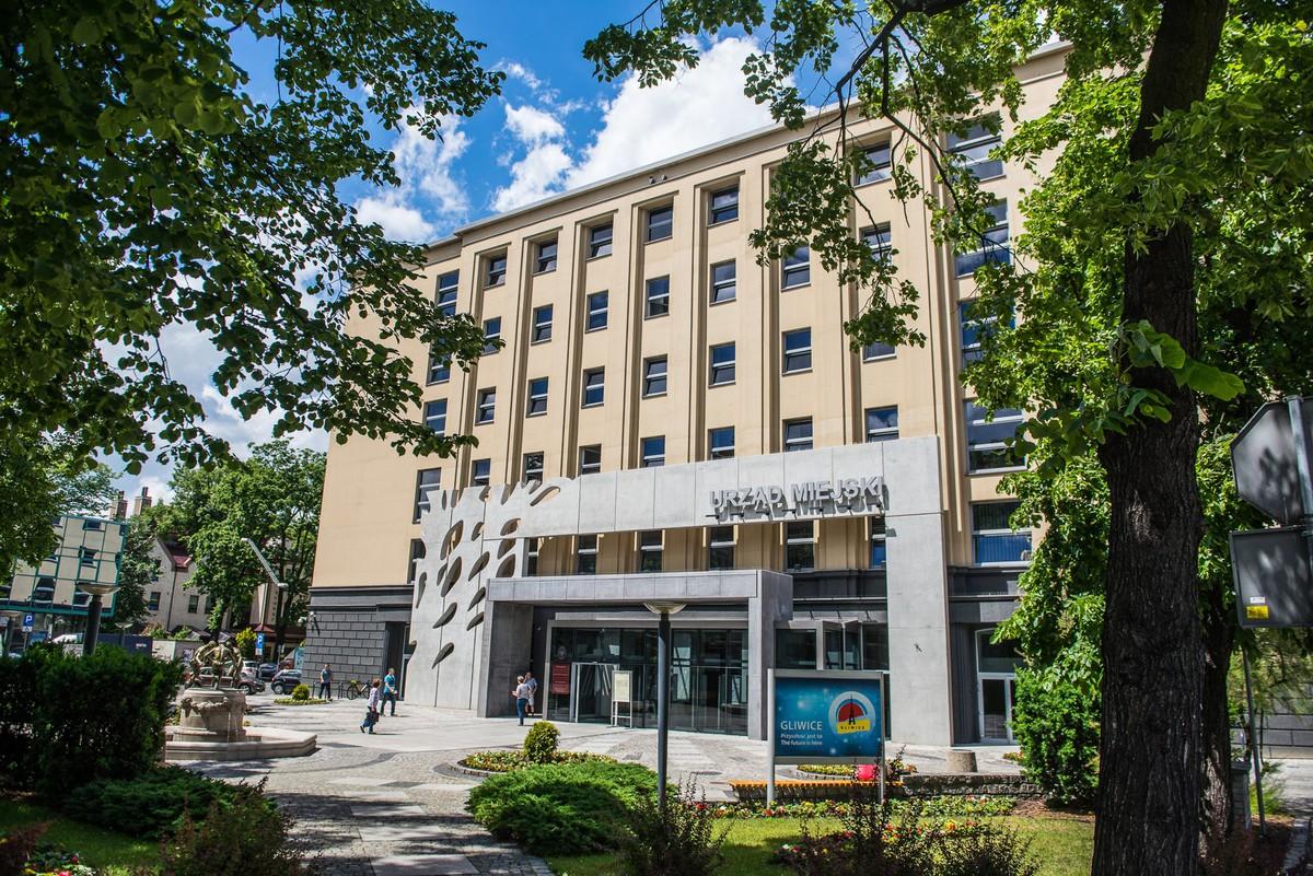 budynek urzędu miejskiego przy ul. Zwycięstwa