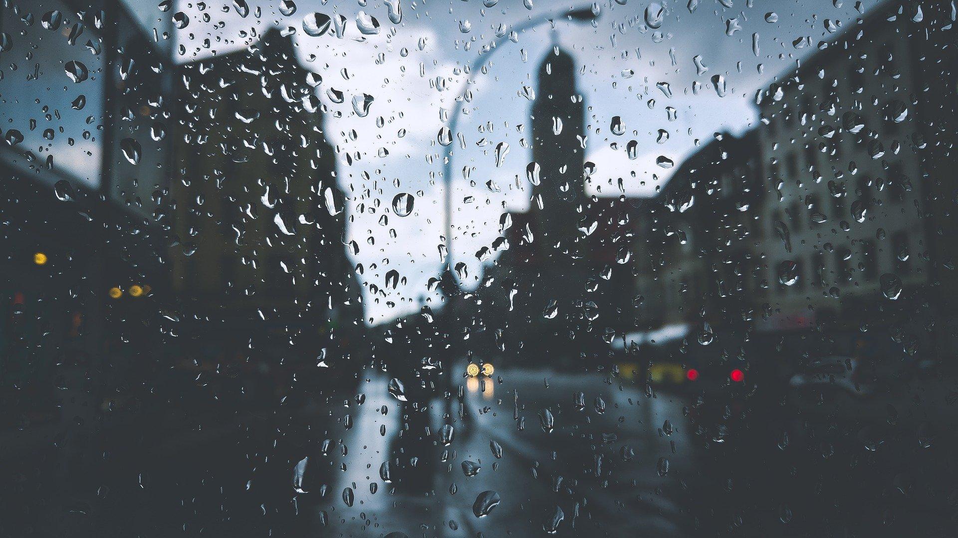 deszczowe miasto