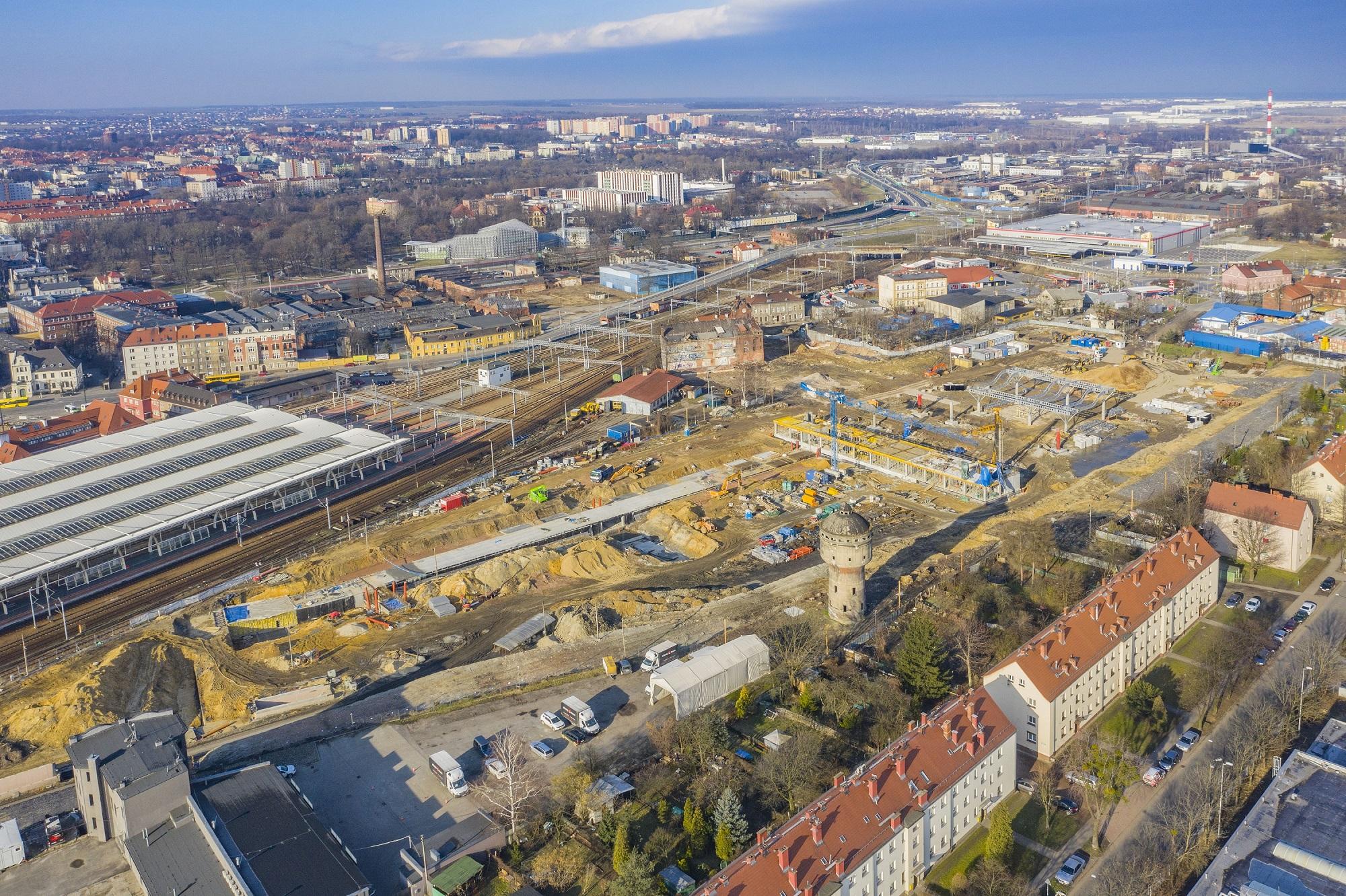 widok na budowę centrum przesiadkowego