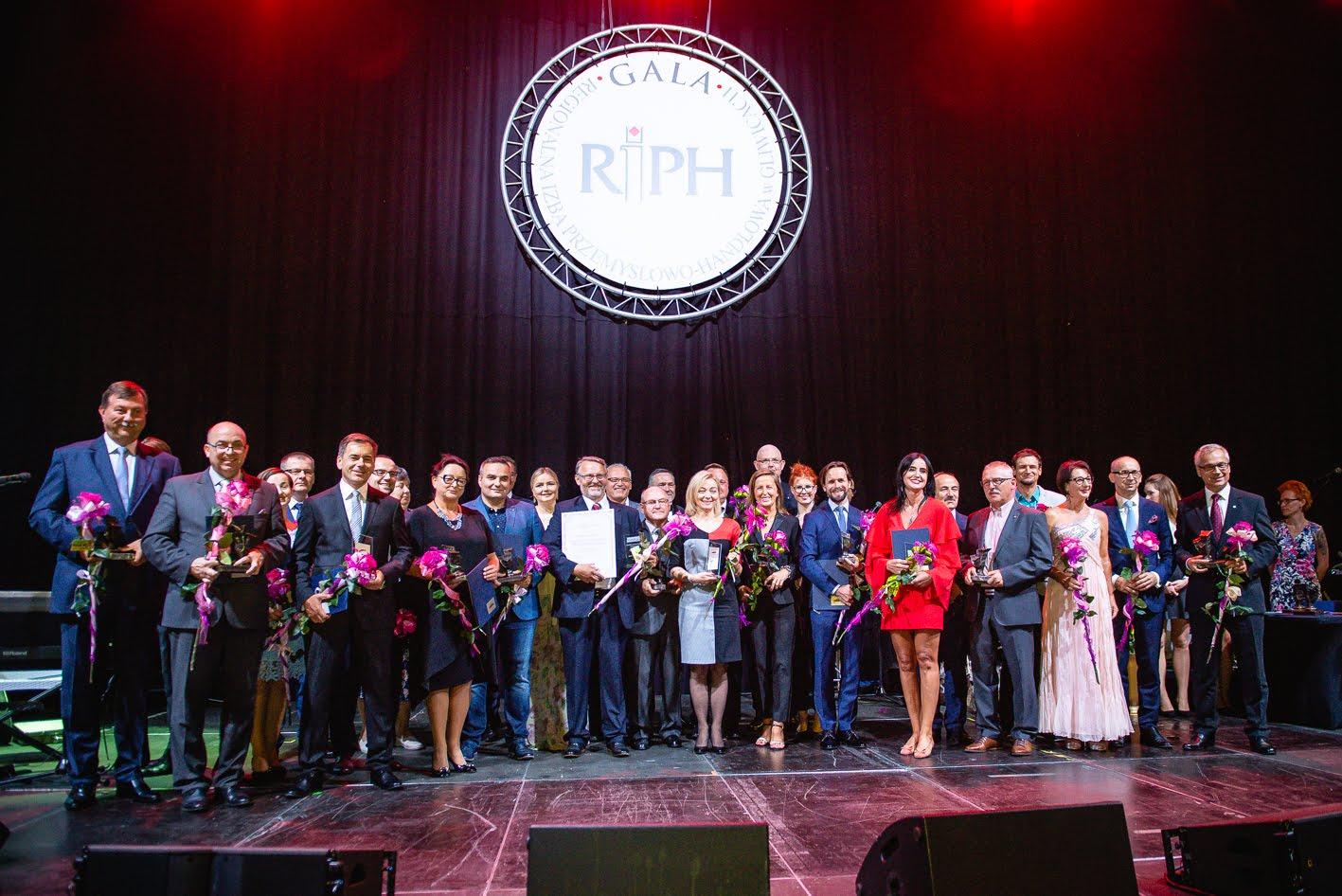 archiowalna gala - ludzie na scenie