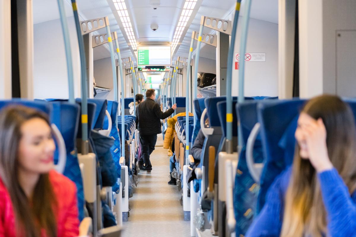 podróżujący koleją