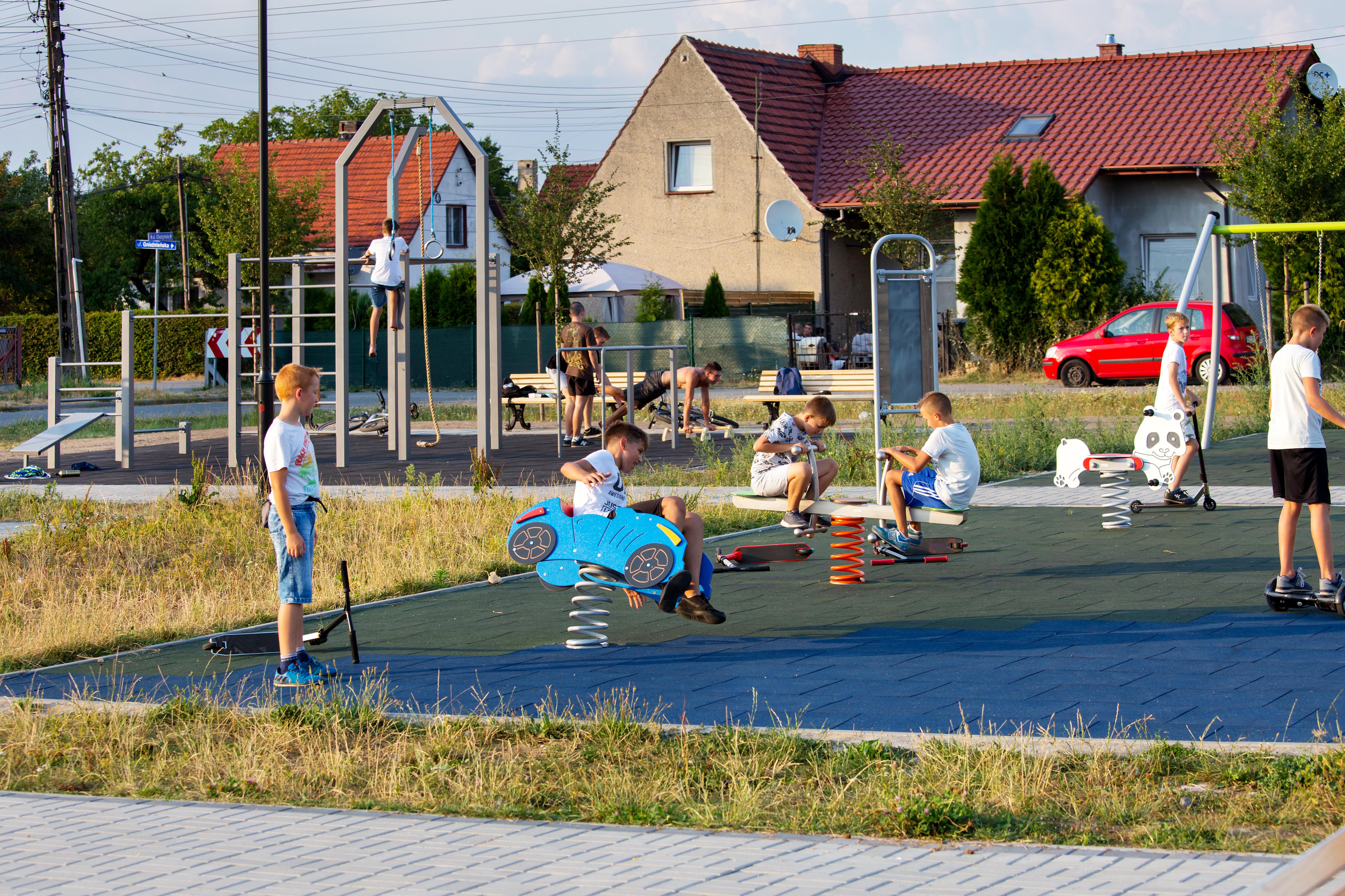 plac zabaw w Brzezince