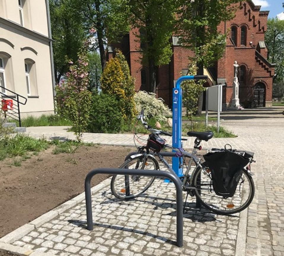 stacja naprawy rowerów przy ul. Łanowej