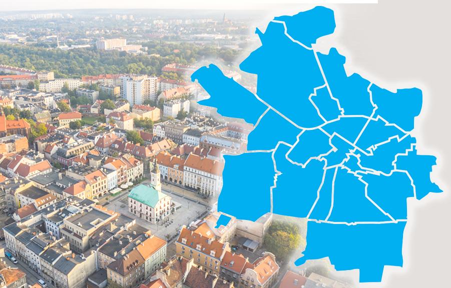 mapa Gliwic nałożona na zdjęcie Rynku z lotu ptaka