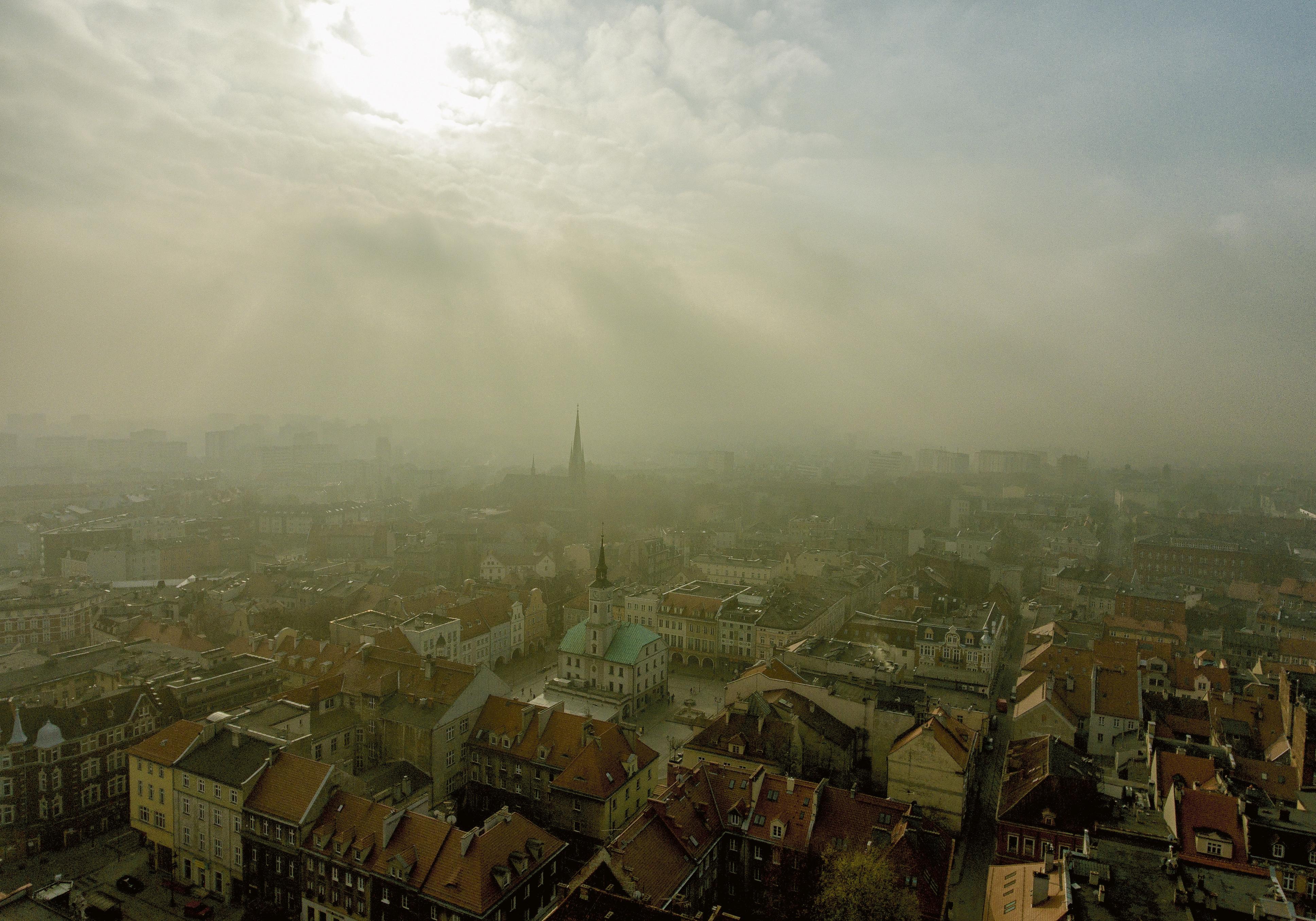 smog nad Rynkiem w Gliwicach