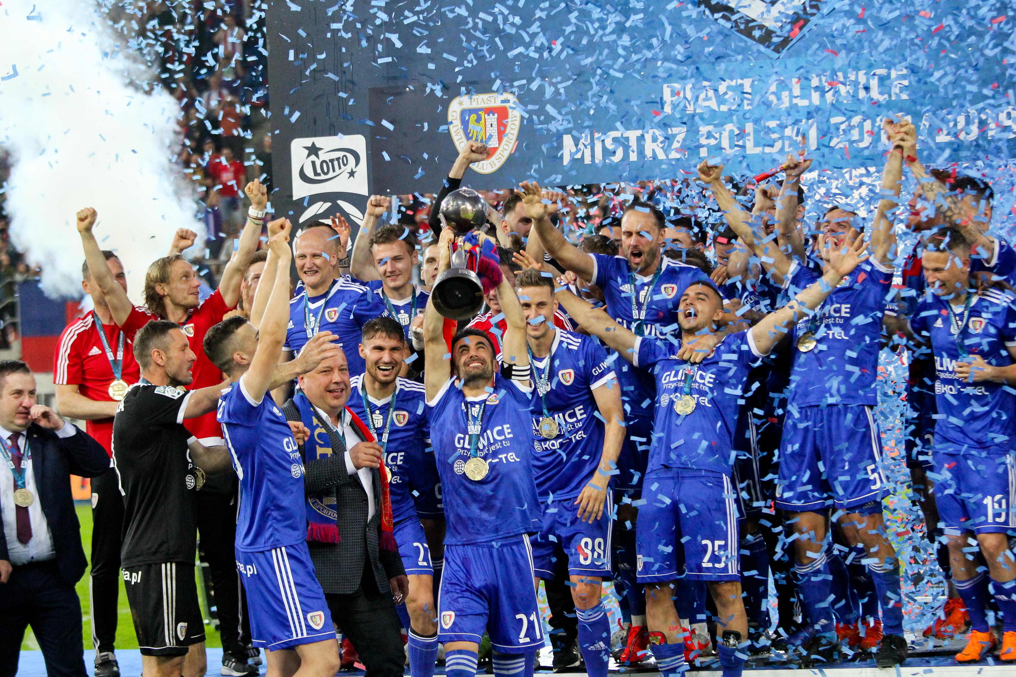 Zawdonicy Piasta Gliwice świętują zwycięstwo