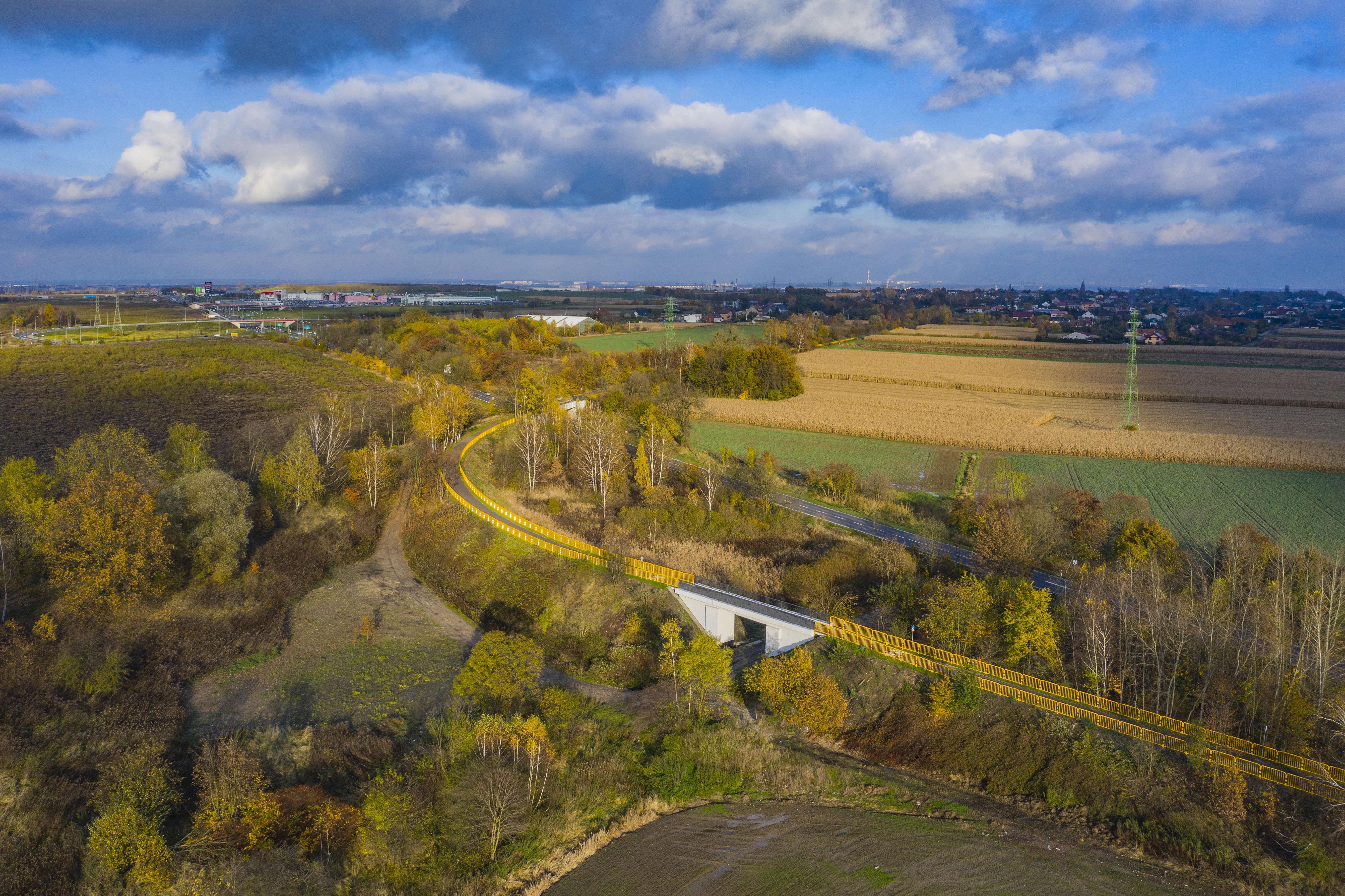 Ścieżka rowerowa z Glwiic do Nieborowic. Ujęcie z lotu ptaka