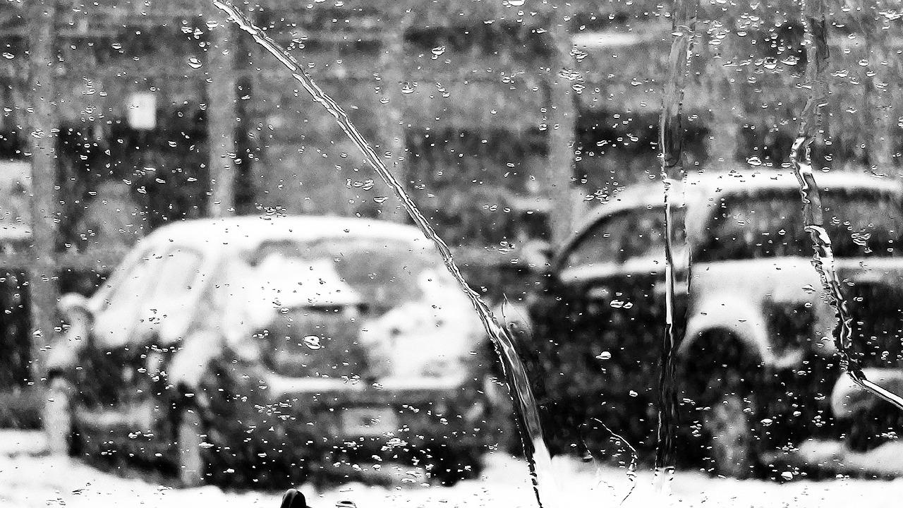 marznący deszcz na ulicy