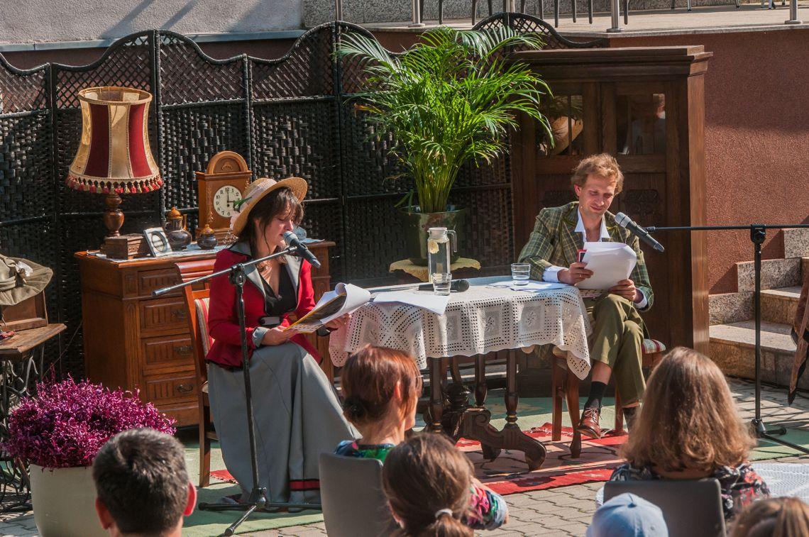 aktorzy Teatru Miejskiego czytają Moralność Pani Dulskiej