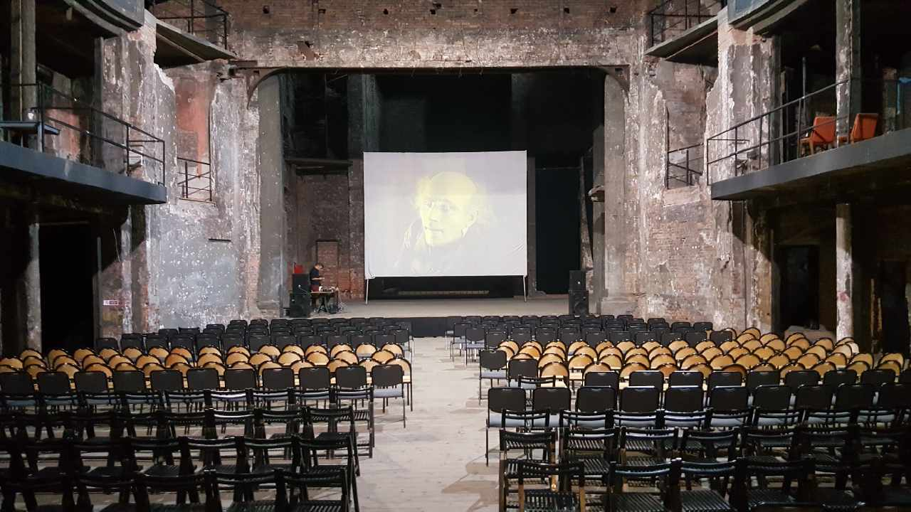 ruiny teatru Victoria